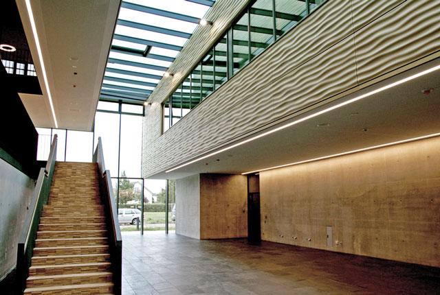KIZ, Foyer; Campus
