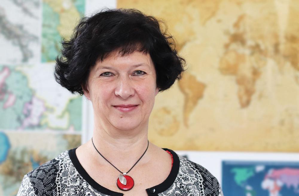 Manuela Linde, 25 Köpfe, Internationales Büro